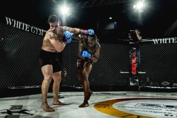 Felipe-El-Negro-sentenciando-un-combate