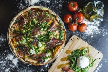 La-Trattoría-Pizza
