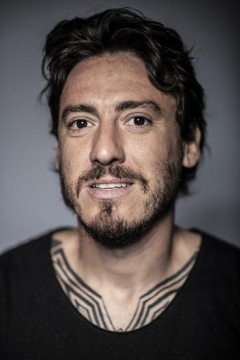 Cristian-Alvarez-Retrato-Futbolista